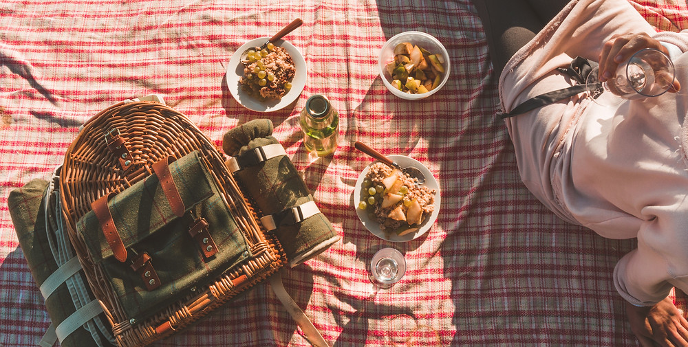 Picnic photo by Lucie Capkova
