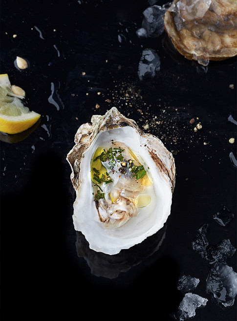 Simplicity of oysters