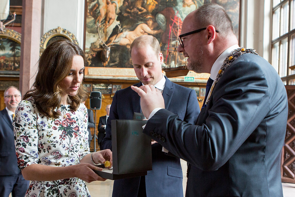 Catherine, Duchess of Cambridge; Prince William, Duke of Cambridge and Gdańsk Mayor Paweł Adamowicz