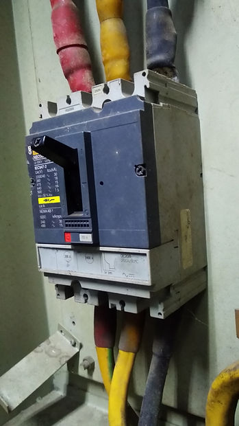MCCB (Molded Case Circuit Breaker).  ele