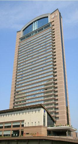 uni-hotel.jpg