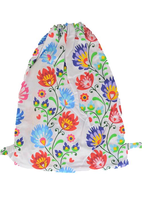 Batoh s kvetinovým motívom