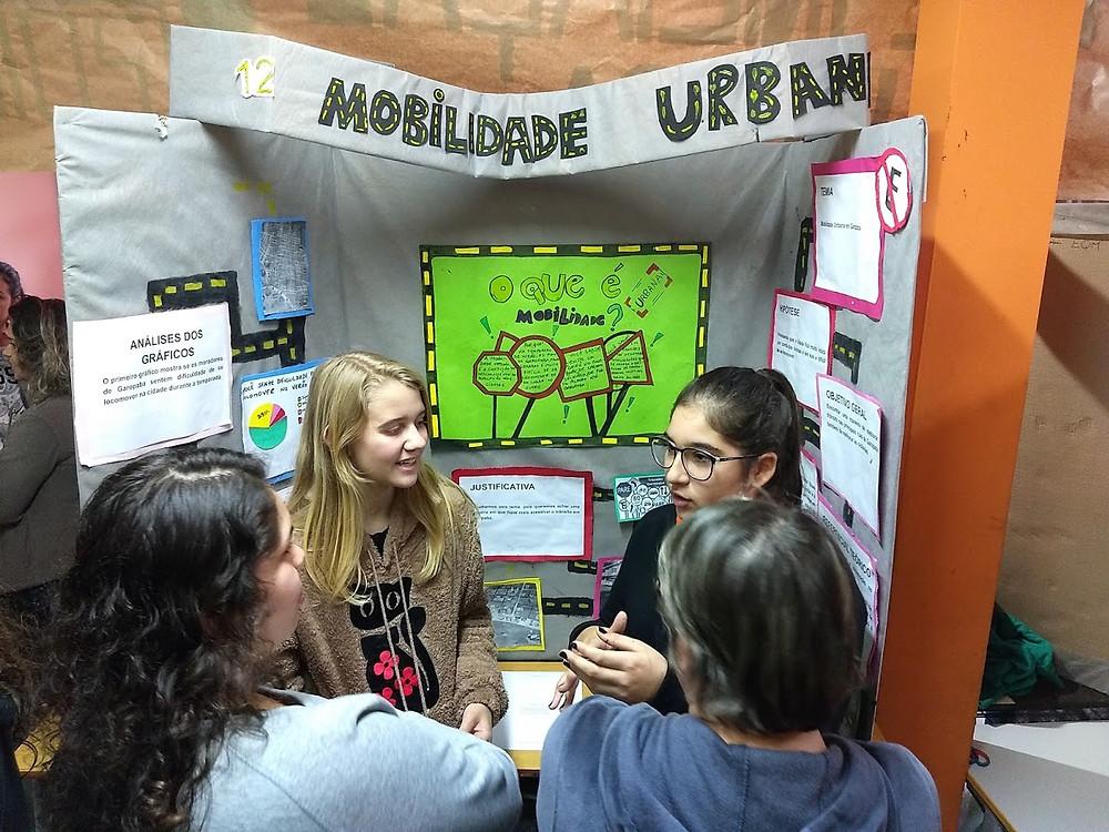Mobilidade Urbana na feira de ciencias na escola