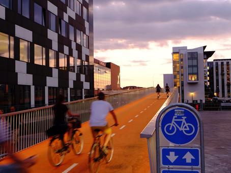 Plus d'équipements ou plus d'aménagements cyclables ?