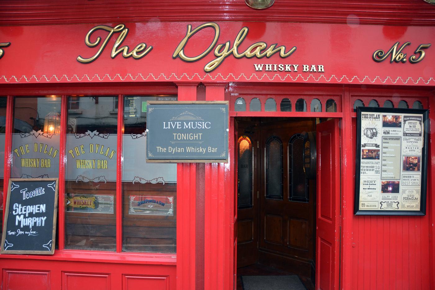 Dylan Whiskey Bar