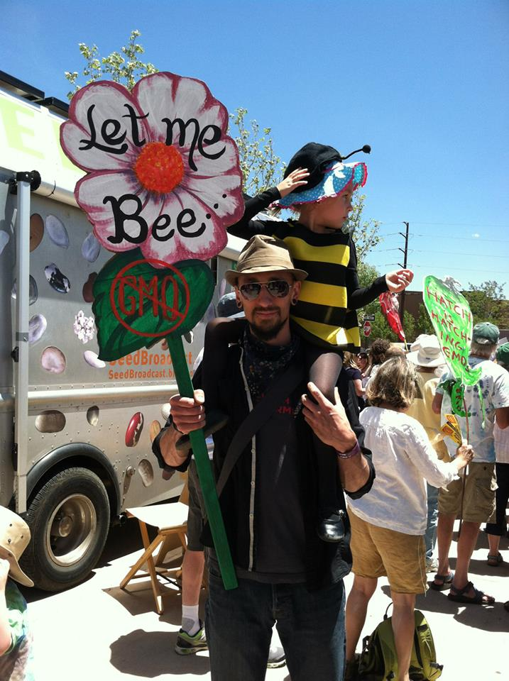 Monsanto Let me Bee
