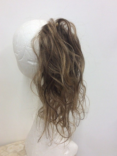 brown with highlights 4/27 wavy  14inches long 42g