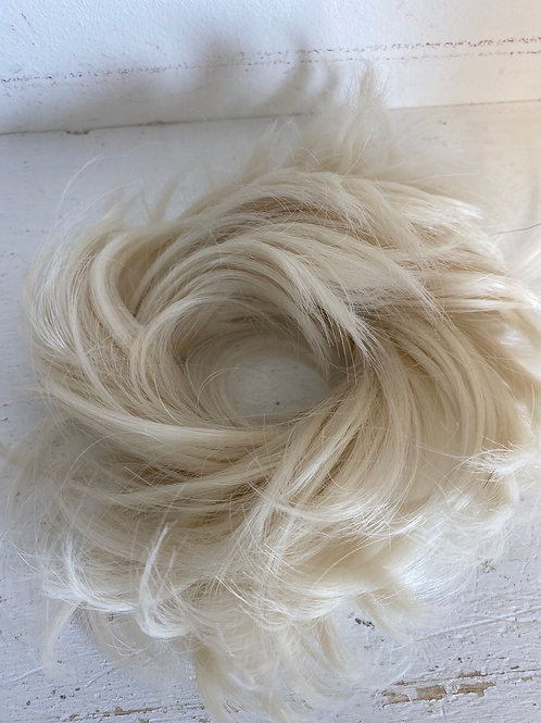 Small creamy blonde synthetic hairpiece Scrunchie be