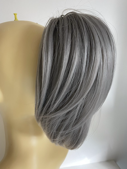 Clip on ponytail in grey synthetic with claw clip