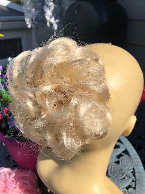 Blonde tight curl hair Scrunchie in blonde (613)