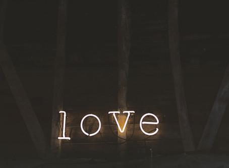You don't need go to Paris to celebrate the LOVE : La verdadera historia de San Valentín.