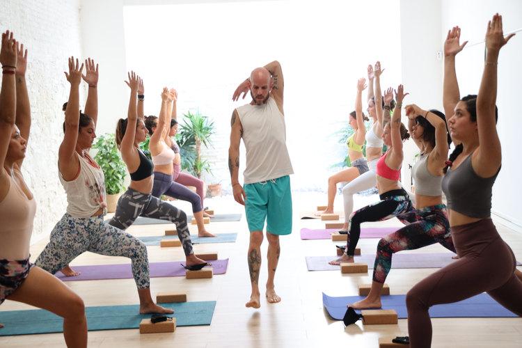 Curso de yoga barcelona