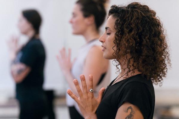 Empezar yoga, clase de yoga, yoga Barcelona, yoga online