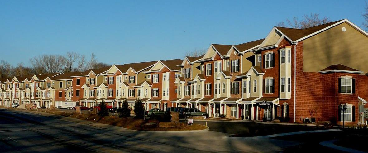 McKnight Crossing Condominiums & Apartments