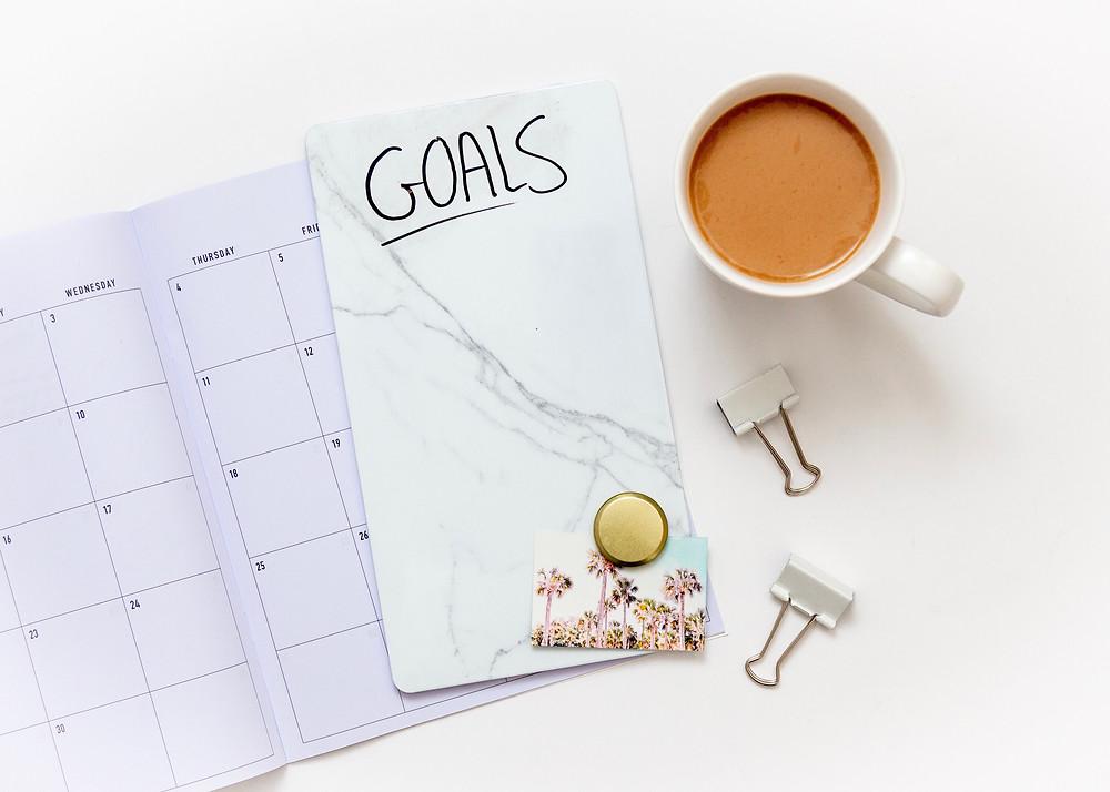 Pour améliorer la confiance en soi et réussir tes examens, fixe-toi des objectifs réalisables.