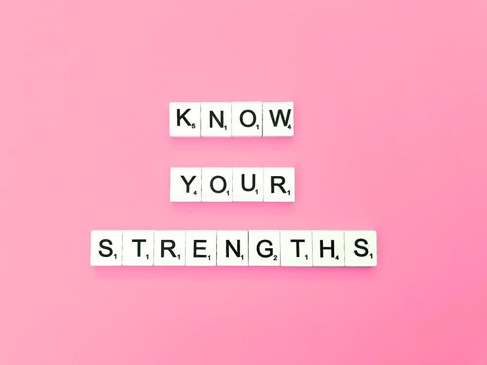 Apprendre à se connaître est essentiel pour améliorer la confiance en soi et l'estime de soi ! Ainsi, si tu prends conscience de tes forces et que tu te concentre sur celles-ci, tu seras prêt(e) pour réussir tes examens.
