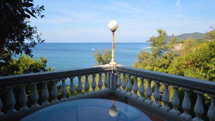 Prestige Villa in Italien mit Privatstrand