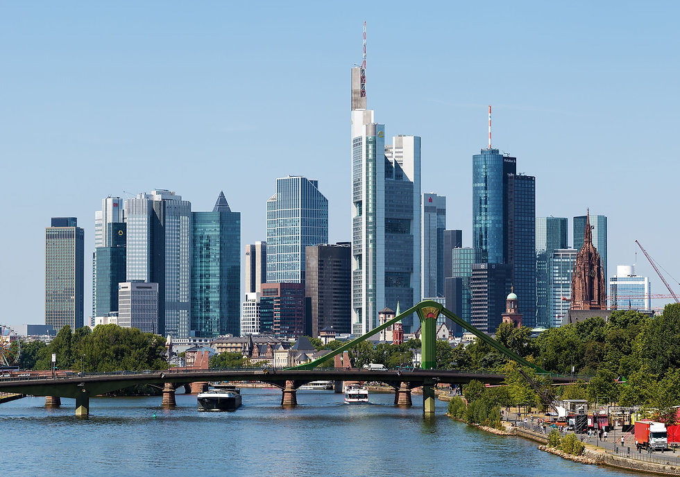 Skyline_Frankfurt_am_Main_2015.jpg