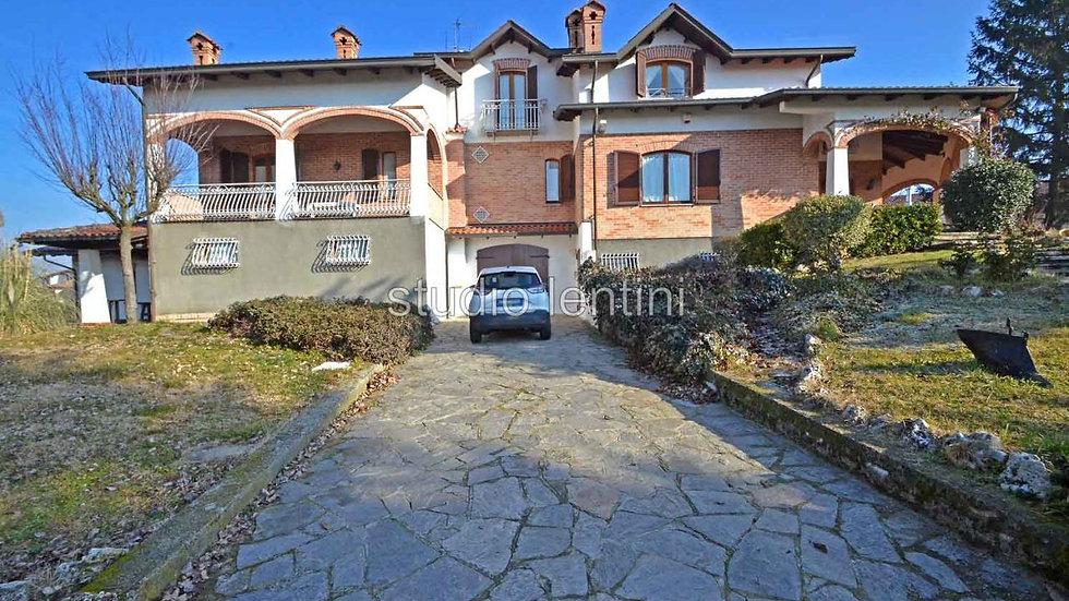 Attraktive Villa in Piemont, Italien
