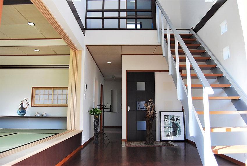 モダンな和の家階段 .JPG