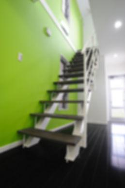 ウイルソンさんの家階段.jpg