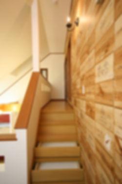 cozyhome階段.JPG
