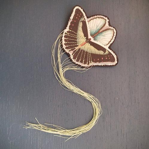 """Broche papillon """"Lomasi"""""""
