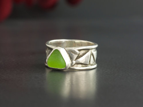 Sea Glass Silver Bezel Lime Green 5 1/2