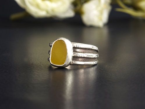 Sea Glass Silver Bezel Ring Yellow Sz 6