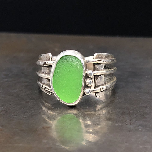 Size 7 1/2 Kelly Green Sea Glass Ring
