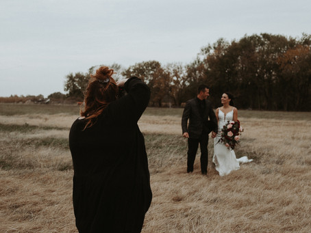 Things to Think About Before Booking Your Wedding Photographer | Midwest Wedding & Lifestyle Photogr