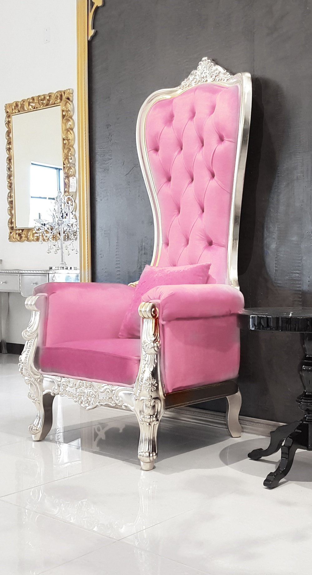 Throne Chair Snow Pink & Silver
