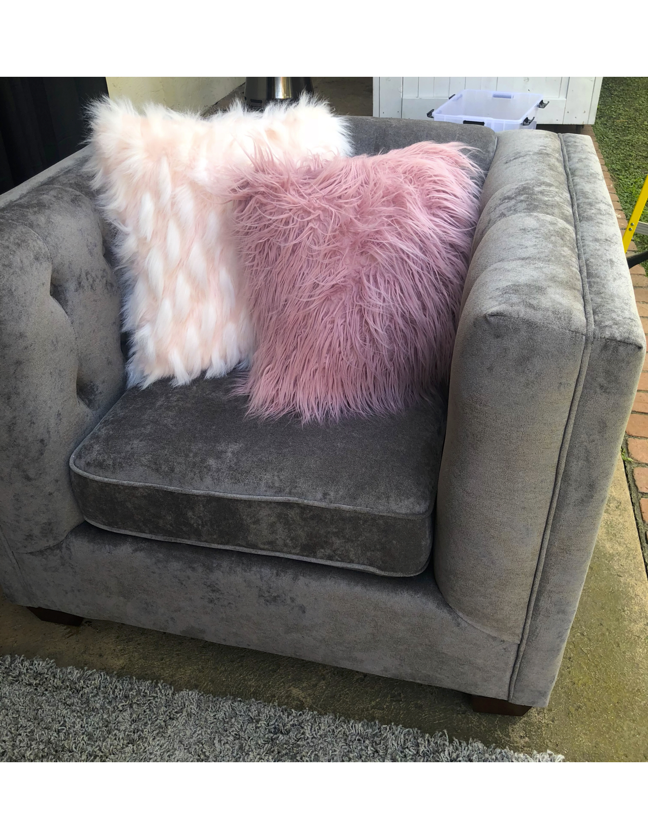 CLUB CHAIR GREY PINK