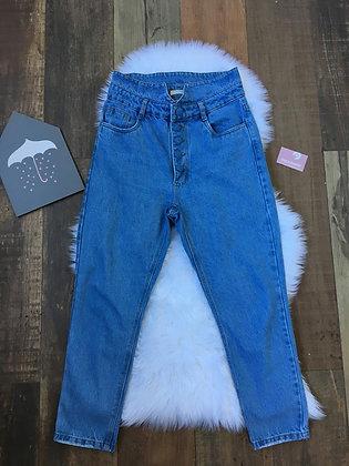 Calça jeans mom botões
