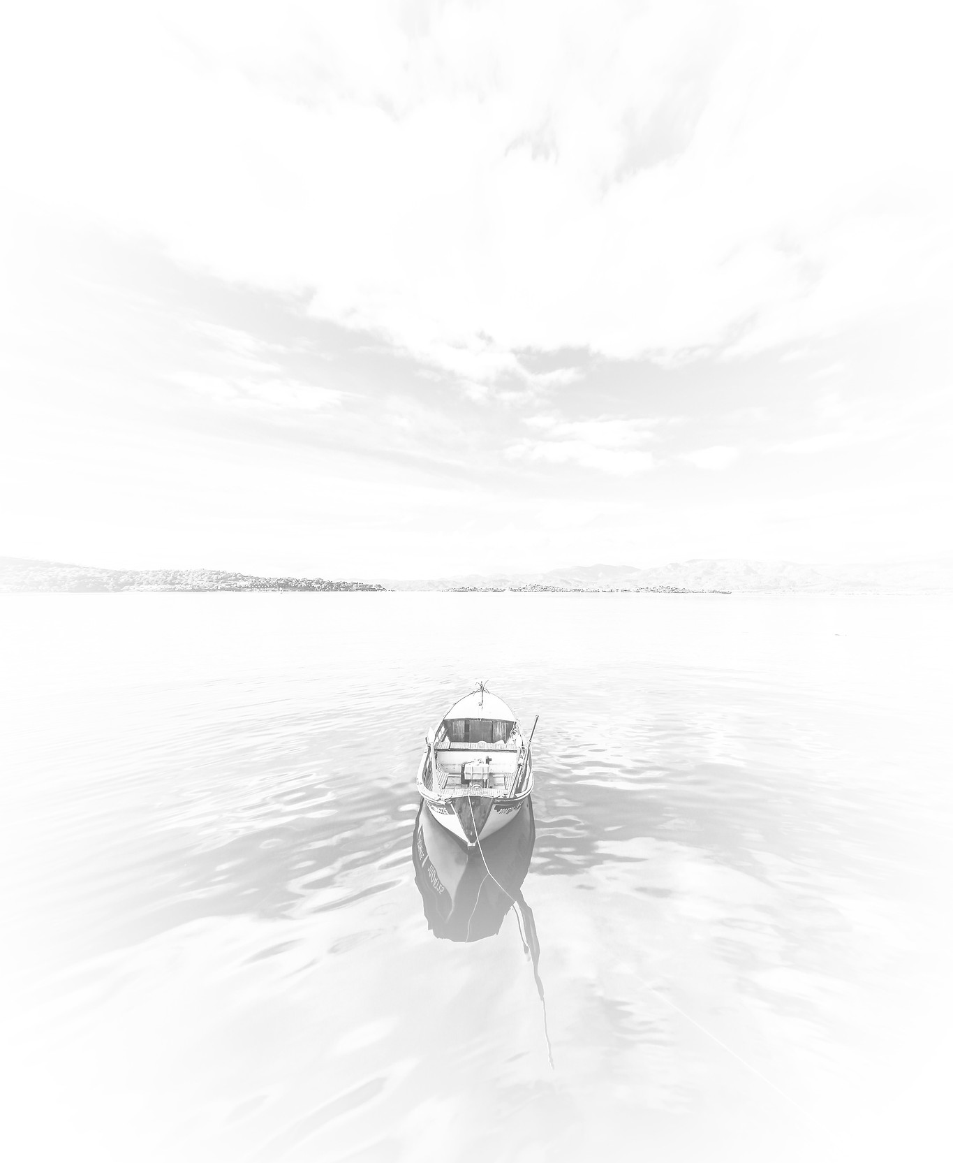 photo-of-boat-under-cloudy-sky-2123573_e