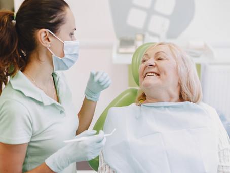Veja a importância de visitar o dentista
