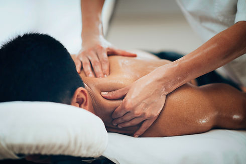 Sports massage. Massage therapist massag