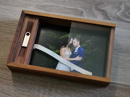 MEMORY BOX, cofanetto in noce canaletto + stampe & usb key
