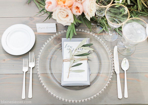 Wedding table setting from Special Occasions Event Rental and Design
