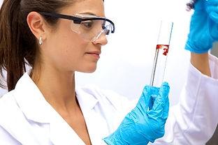 female_scientist-thumb-590x393-109831_ed