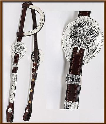 Sliding Ear with Silver Cheek and  Ear Piece. Oval Buckle with Berry Edge. Choos