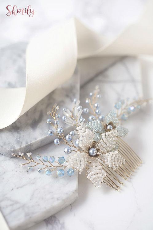Miss Pastel--Swarovski crystal and Beaded Flower hair comb(Light Blue)