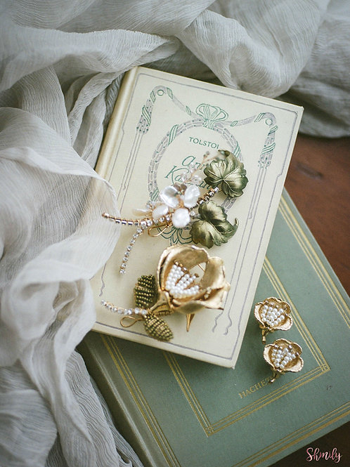 Love in Paris Hand painted antique leaves with earrings(Erinite Green) FOR RENT