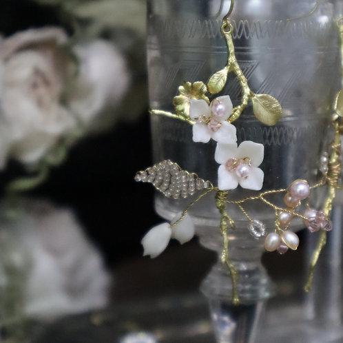 Flower branch golden earrings