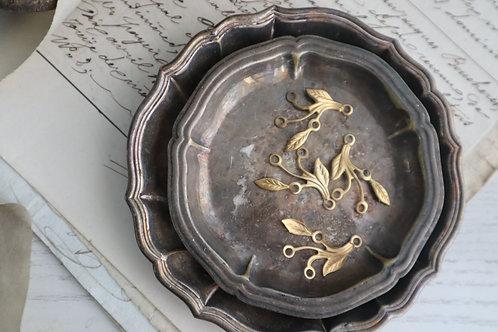 銅制雙瓣花葉(有孔)