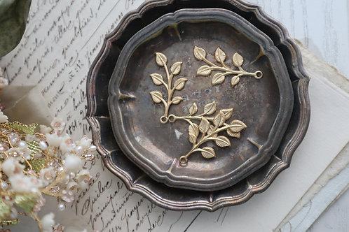 銅制六瓣葉(有紋)