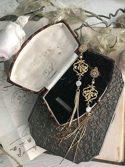 Butterfly Chasing Flower Chinese Style Tassel Earring