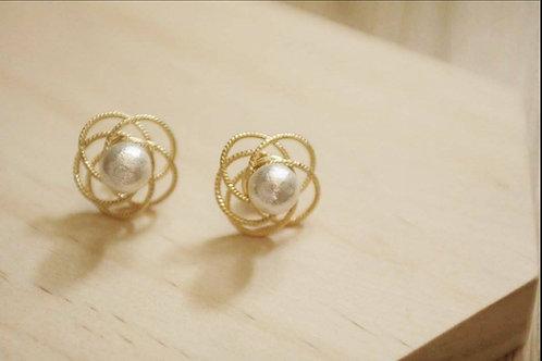 Fashion design vintage cotton pearl earrings