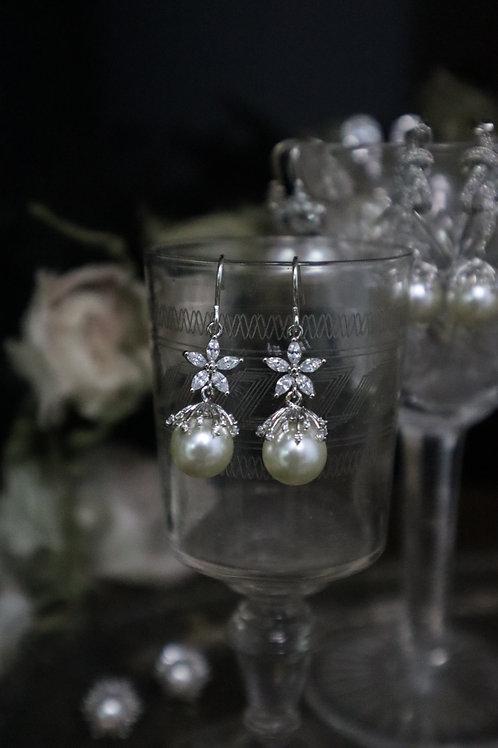 Swarovski Crystal Pearl Floral earrings