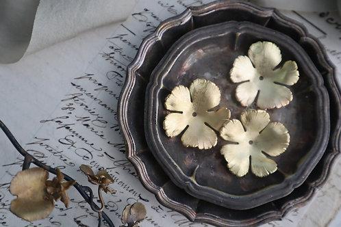 銅制五瓣花(有紋)